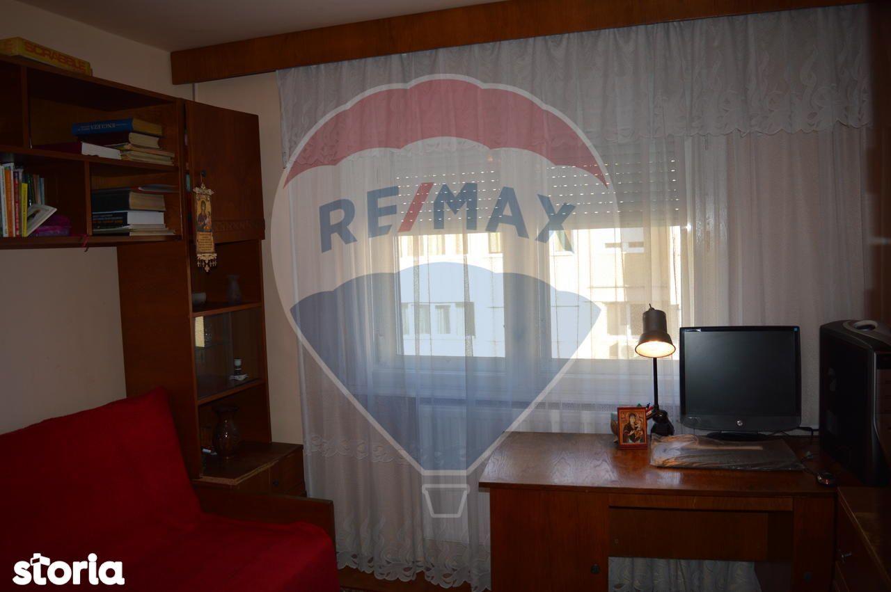Apartament de vanzare, Bihor (judet), Strada Grigorie Irofte - Foto 3