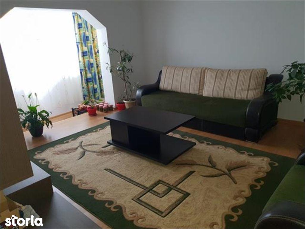 Apartament de vanzare, Argeș (judet), Bulevardul Libertății - Foto 1