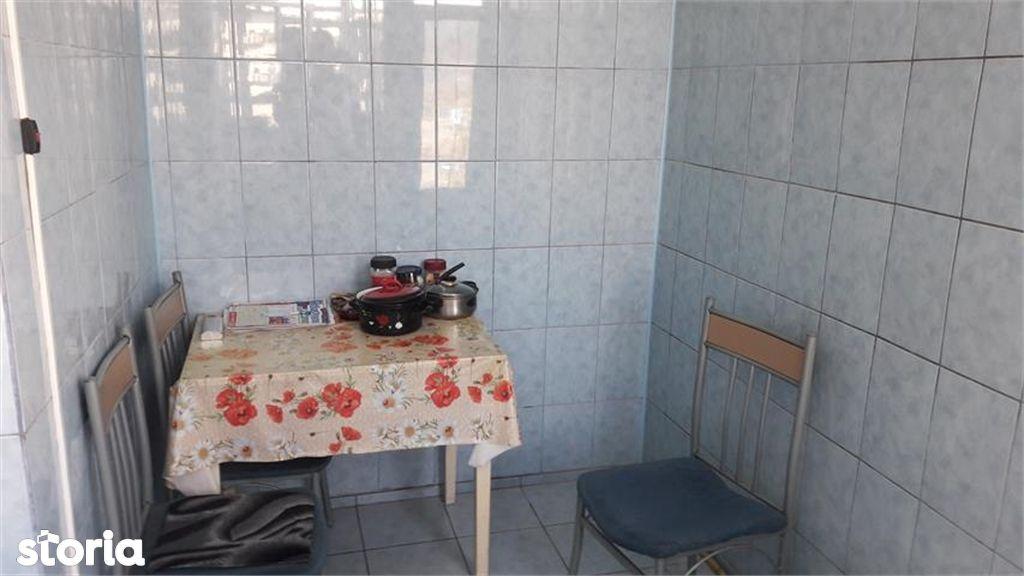 Apartament de vanzare, Argeș (judet), Bulevardul Petrochimiștilor - Foto 10