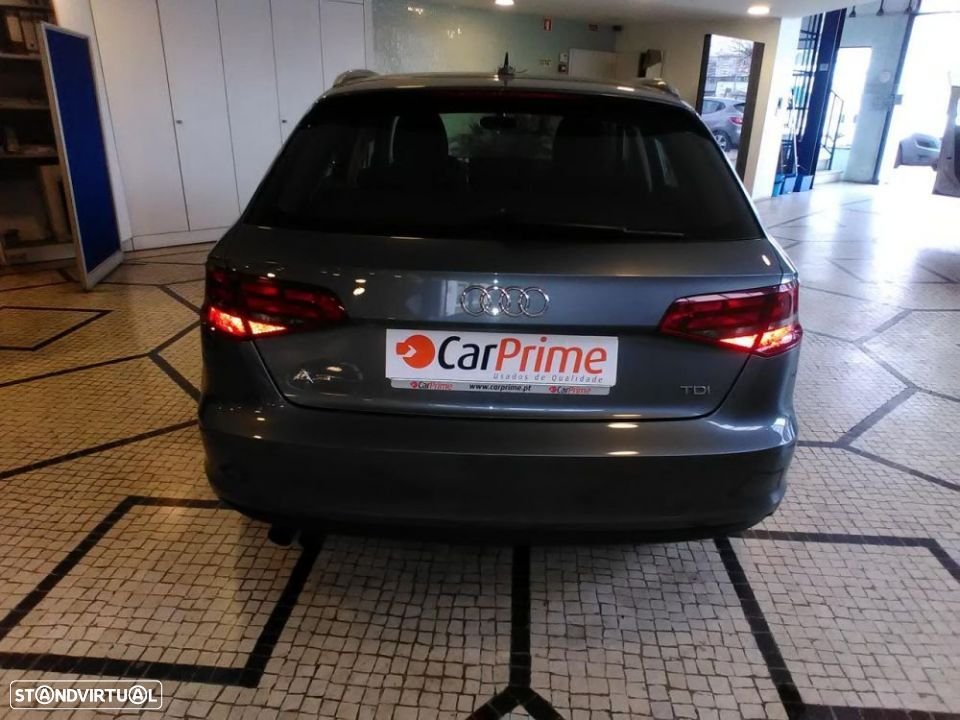 Audi A3 SportBack 2.0 TDI 150cv Attraction - 5