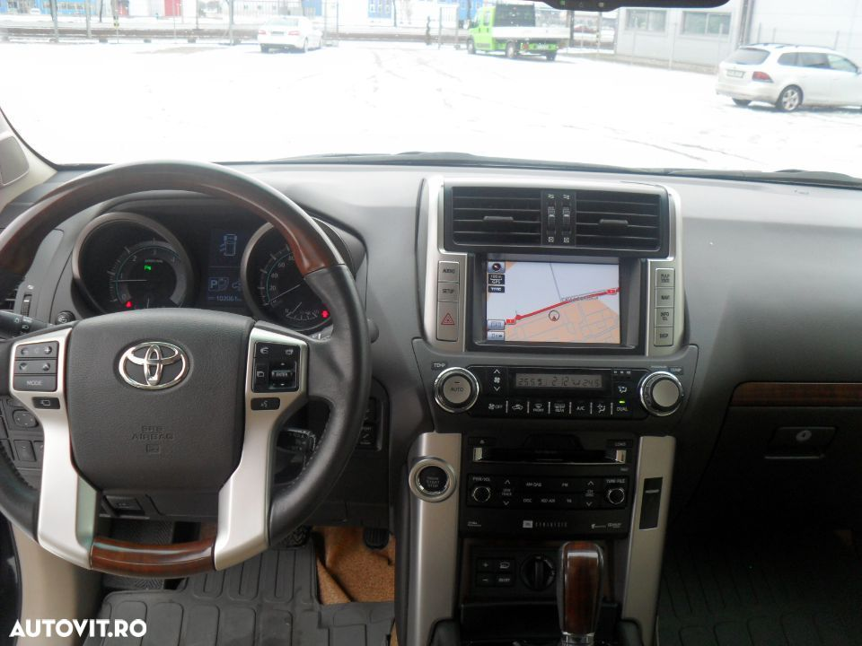 Toyota Land Cruiser - 5