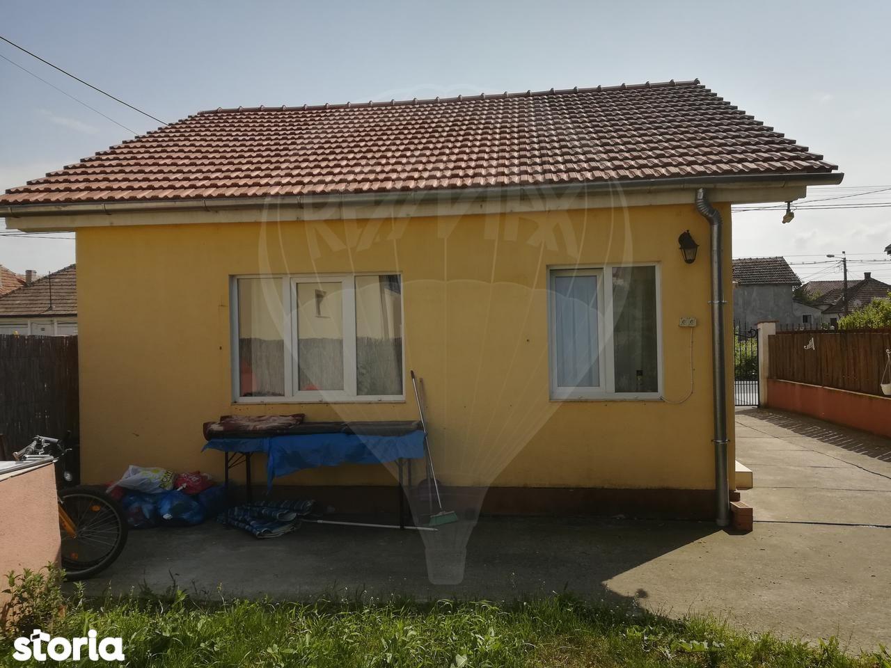Casa de vanzare, Satu Mare (judet), Carpați 1 - Foto 1