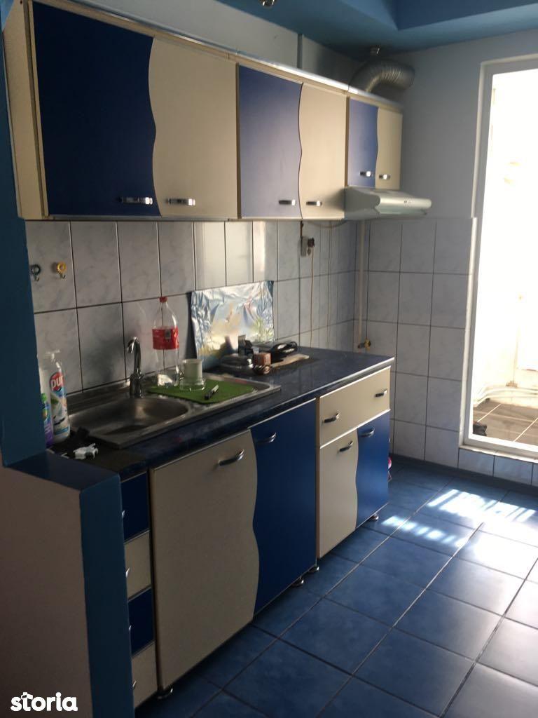 Apartament de vanzare, Neamț (judet), Roman - Foto 4