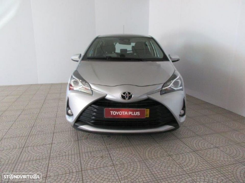 Toyota Yaris 1.4D 5P Comfort + Pack Style - 18