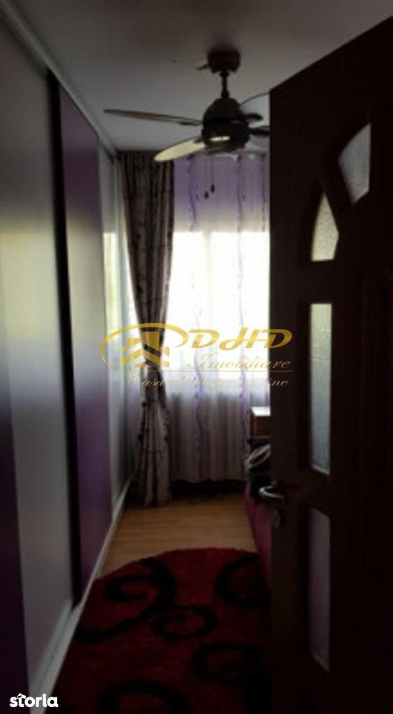 Apartament de vanzare, Iași (judet), Podu Roș - Foto 1