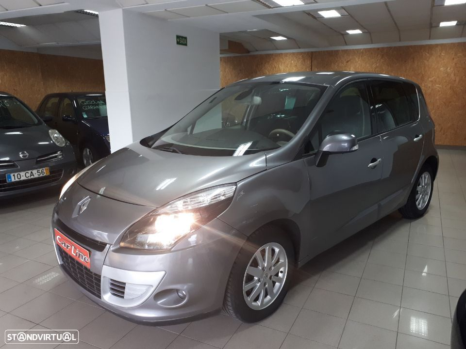 Renault Scénic 1.5 dCi Luxe - 2