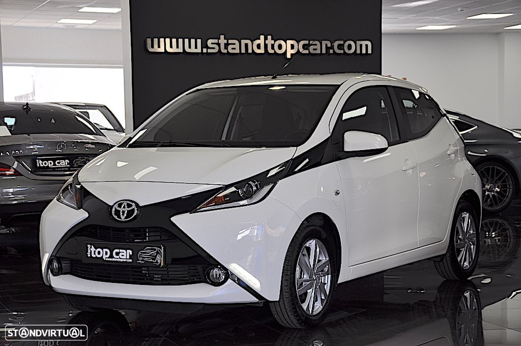 Toyota Aygo 1.0 X-Play Plus + X-Touch SK - 1