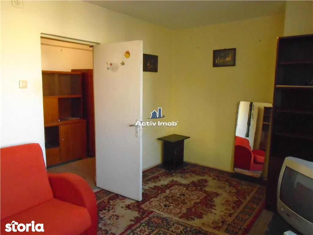 Apartament de inchiriat, Caraș-Severin (judet), Strada 1 Decembrie 1918 - Foto 2