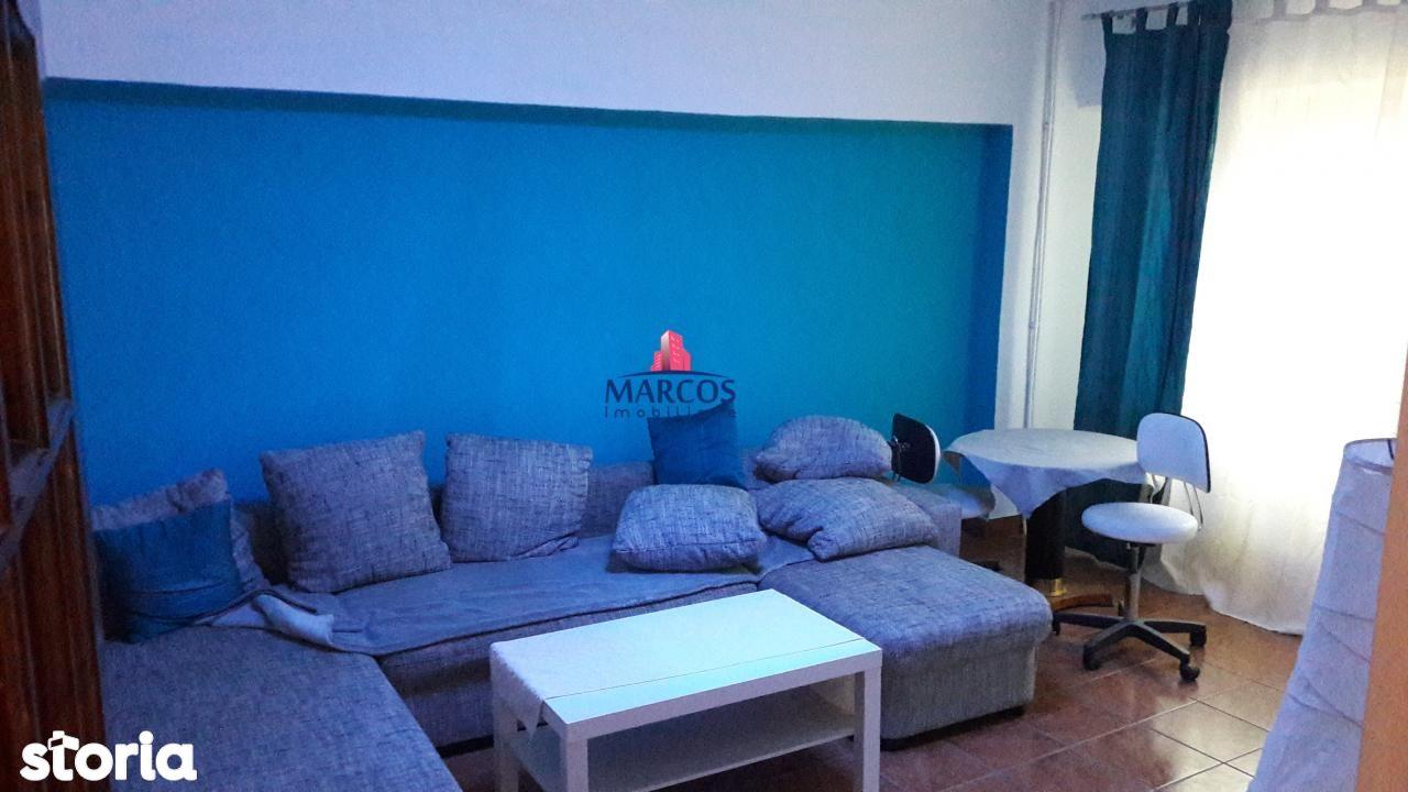 Apartament de vanzare, Caraș-Severin (judet), Reșița Română - Foto 2