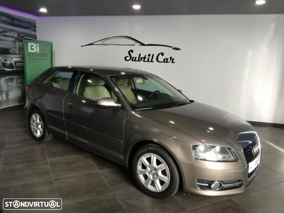 Audi A3 1.6 TDi Attraction S tronic - 1