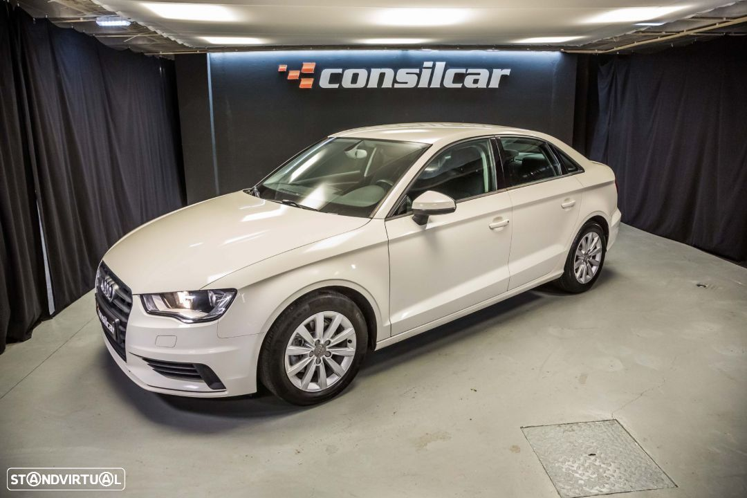 Audi A3 Limousine 1.6TDI M6 Attraction Pack - 1