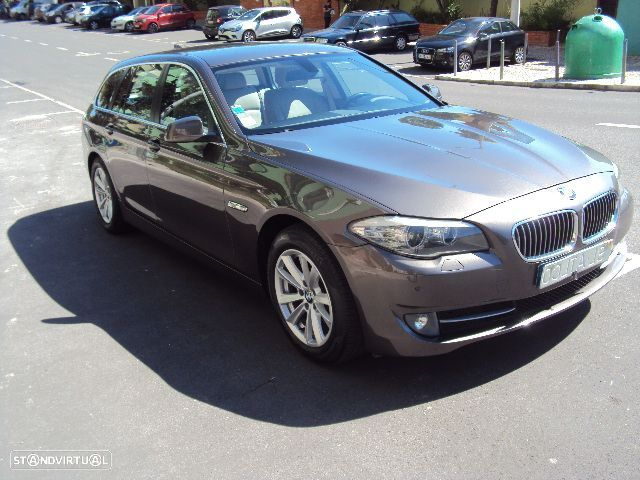 BMW 520 D Touring Exclusive Automática - 1
