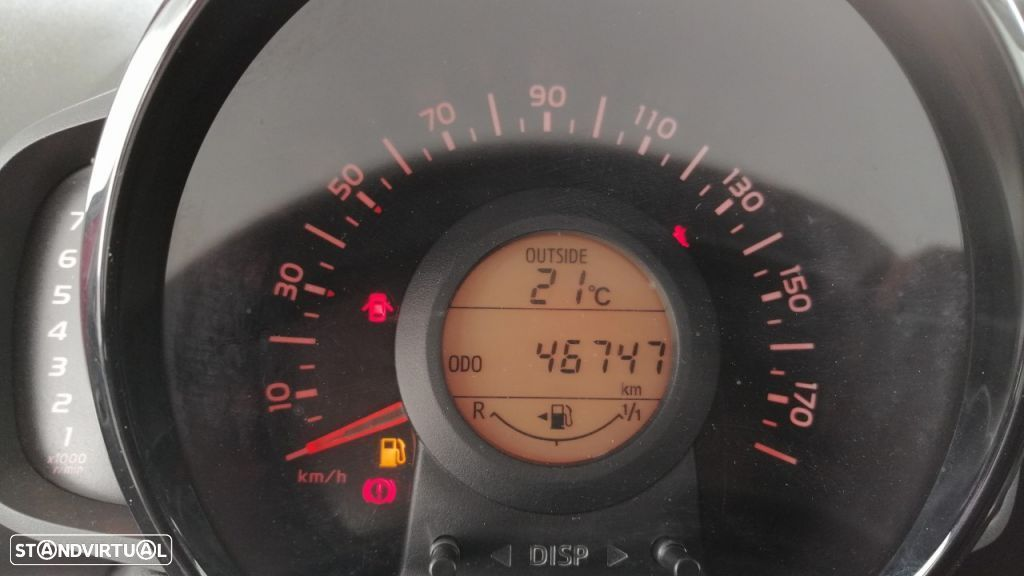 Toyota Aygo 5P 1.0 x-play + A+ x-touch - 11