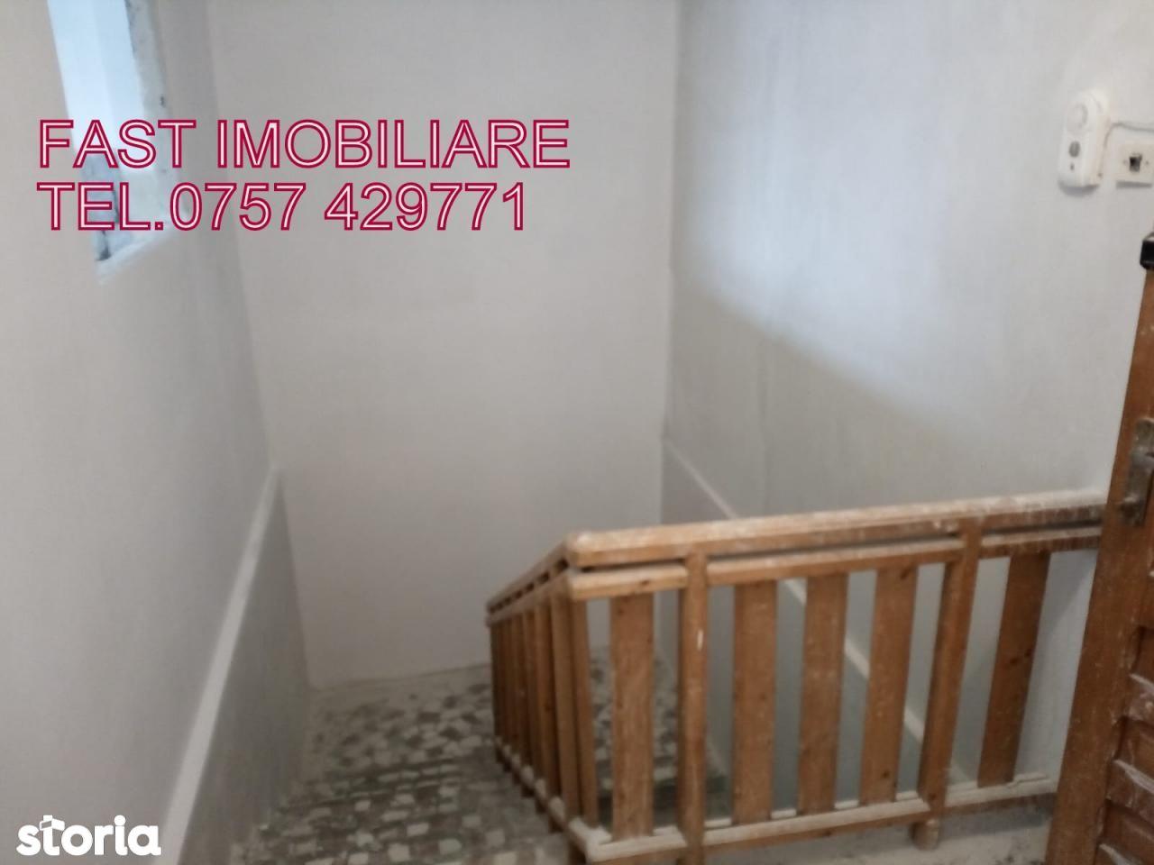 Apartament de vanzare, Argeș (judet), Sătic - Foto 2