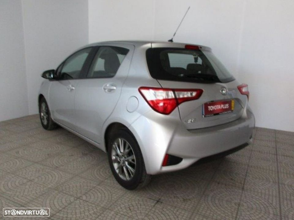 Toyota Yaris 1.4D 5P Comfort + Pack Style - 2