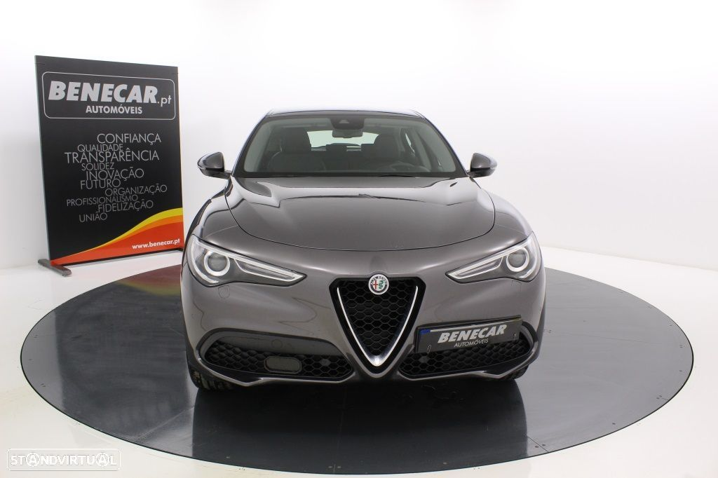 Alfa Romeo Stelvio 2.2 Turbo Q4 Super AT8 210cv Cx. Aut. GPS / Cam. Traseira - 12