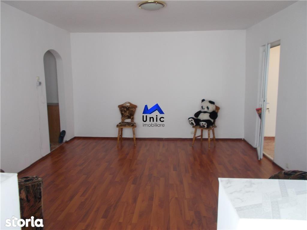 Apartament de vanzare, Dâmbovița (judet), Micro 4 - Foto 3