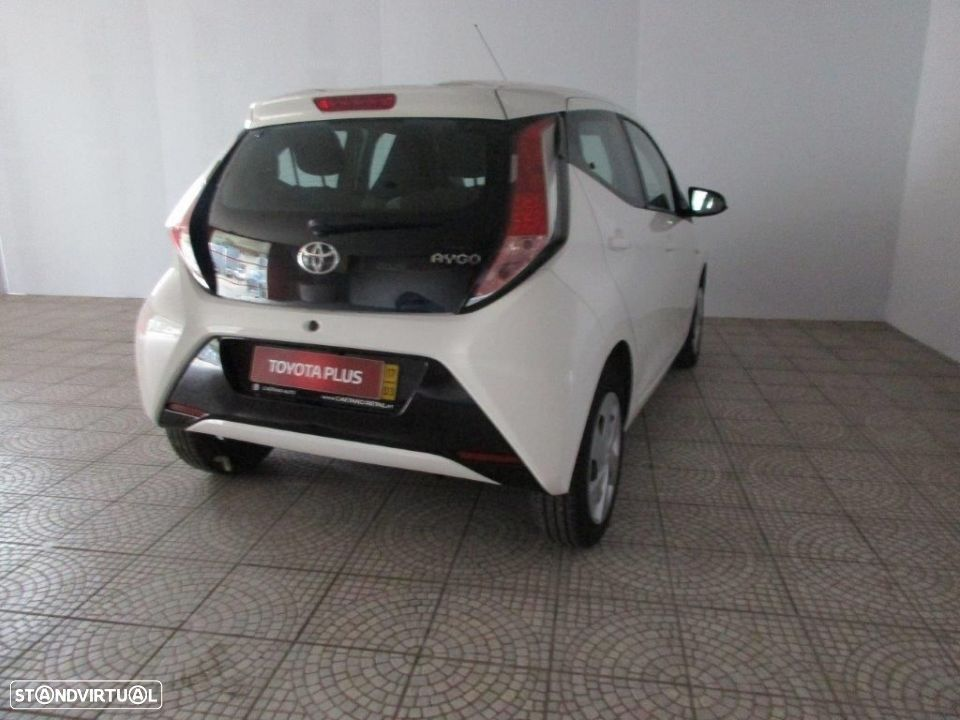 Toyota Aygo 5P 1.0 x-play + AC + x-touch - 4