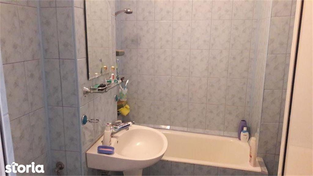 Apartament de vanzare, Argeș (judet), Bulevardul Petrochimiștilor - Foto 4