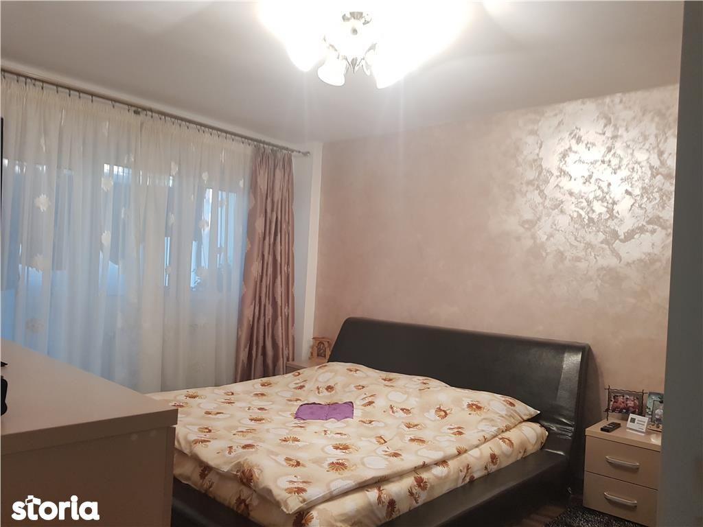 Apartament de vanzare, Argeș (judet), Bulevardul Frații Golești - Foto 4