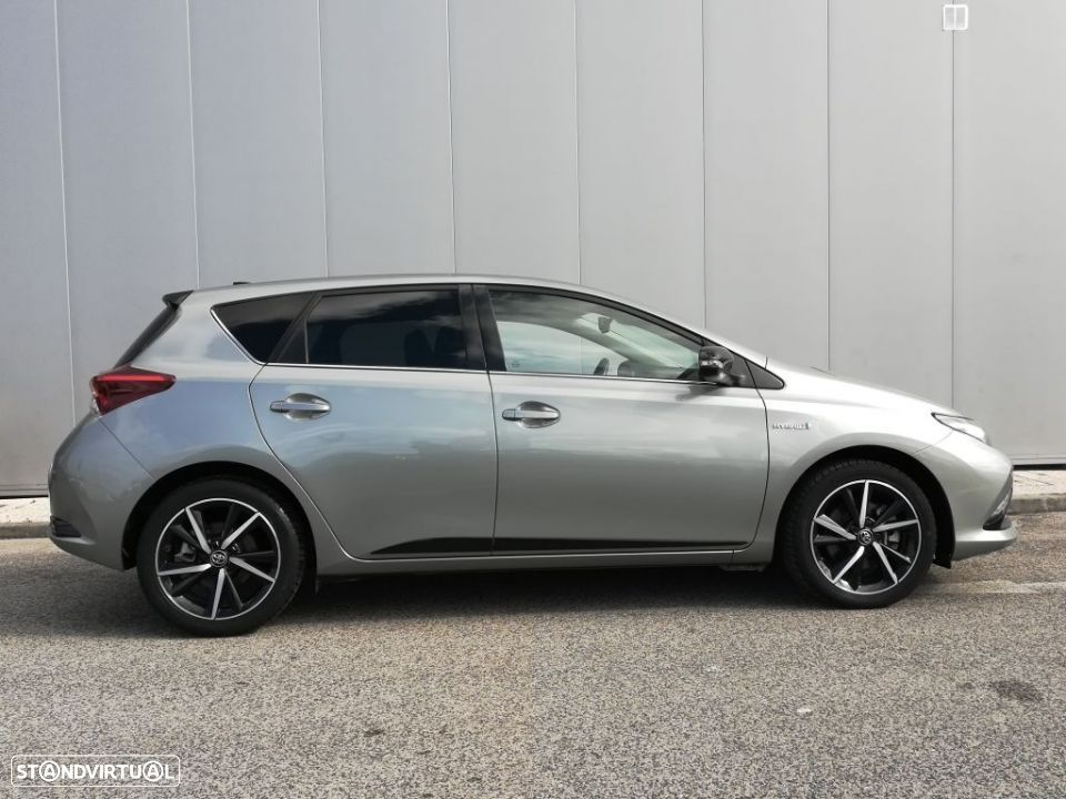 Toyota Auris HB 1.8 Hybrid SQUARE Collection - 16