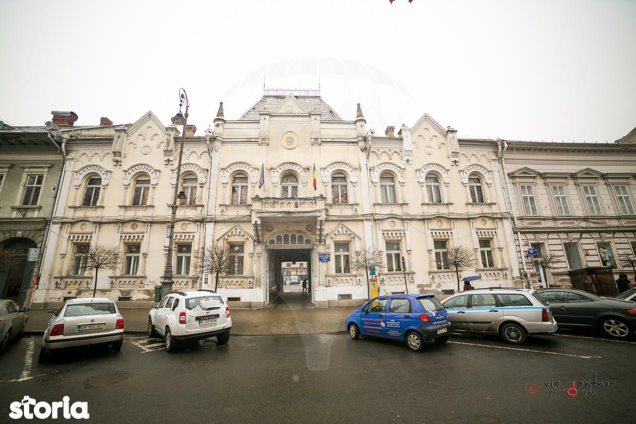 Birou de vanzare, Arad - Foto 1