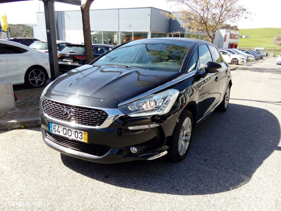 DS DS5 (1.6 BlueHDi So Chic) - 1