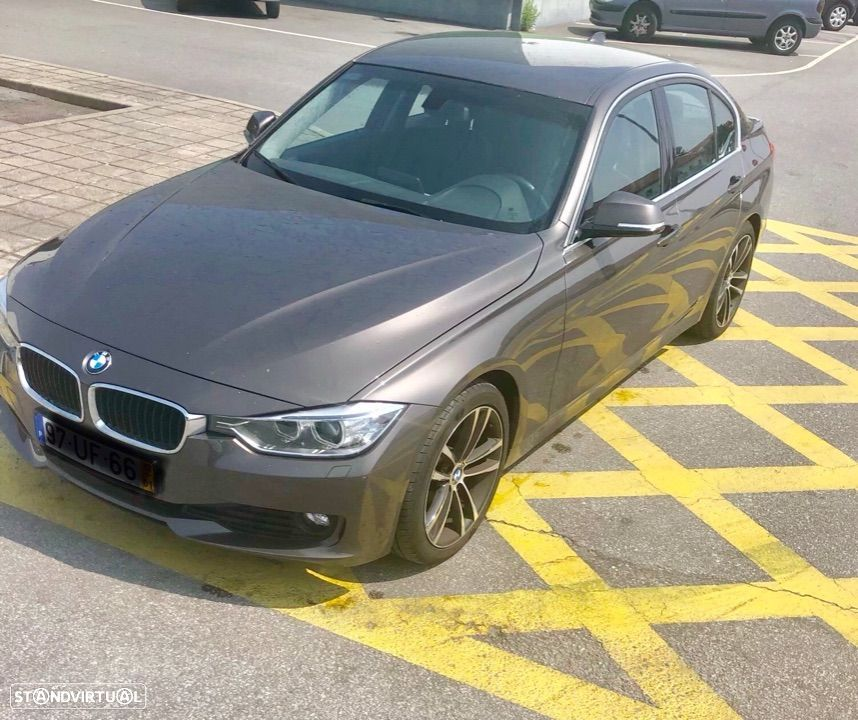 BMW 320 D Auto efficient dynamics - 2