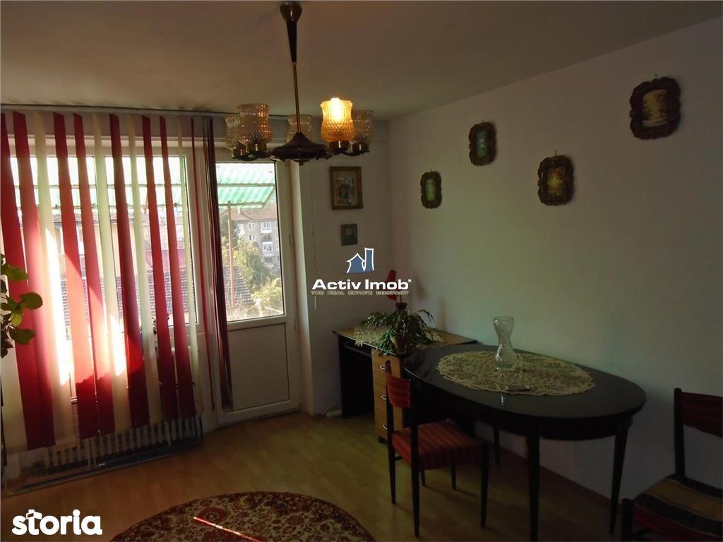 Apartament de inchiriat, Caraș-Severin (judet), Strada 1 Decembrie 1918 - Foto 1