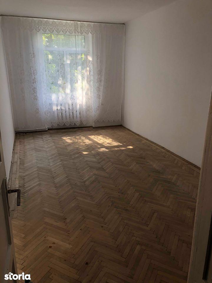 Apartament de vanzare, Onesti, Bacau - Foto 1