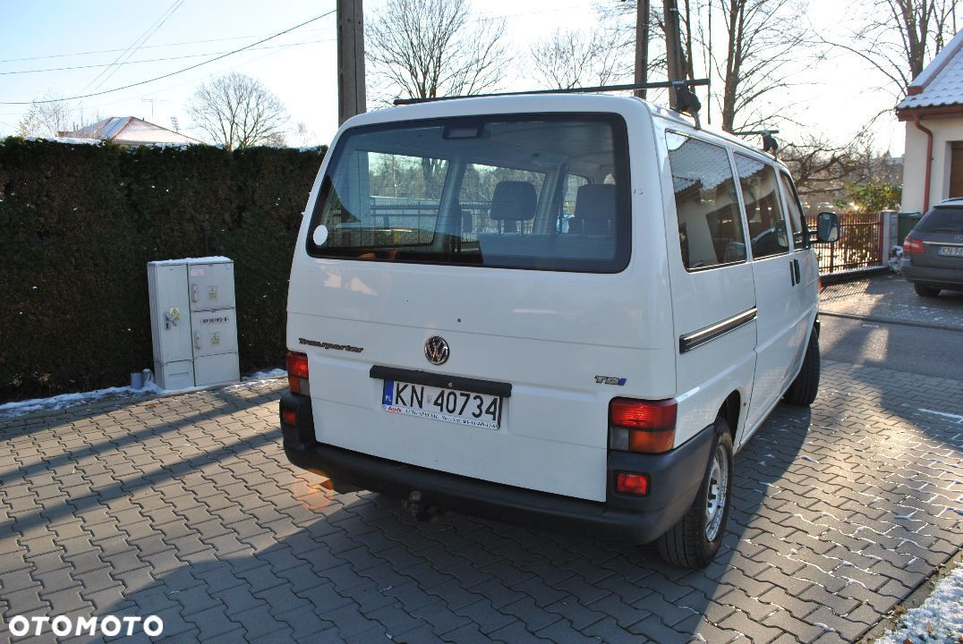 Volkswagen Transporter T4 2.5 TDI 9 osobowy - 4