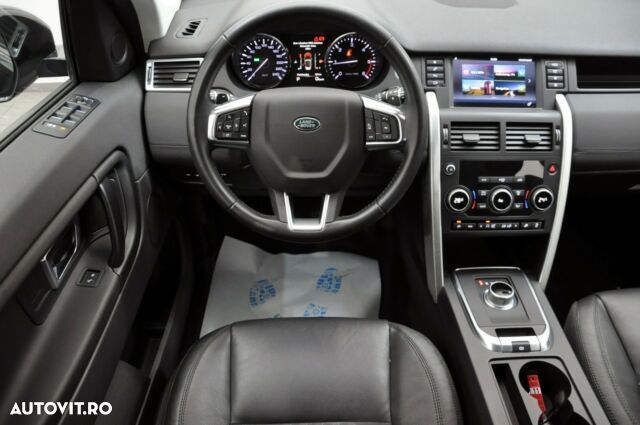 Land Rover Discovery Sport - 10