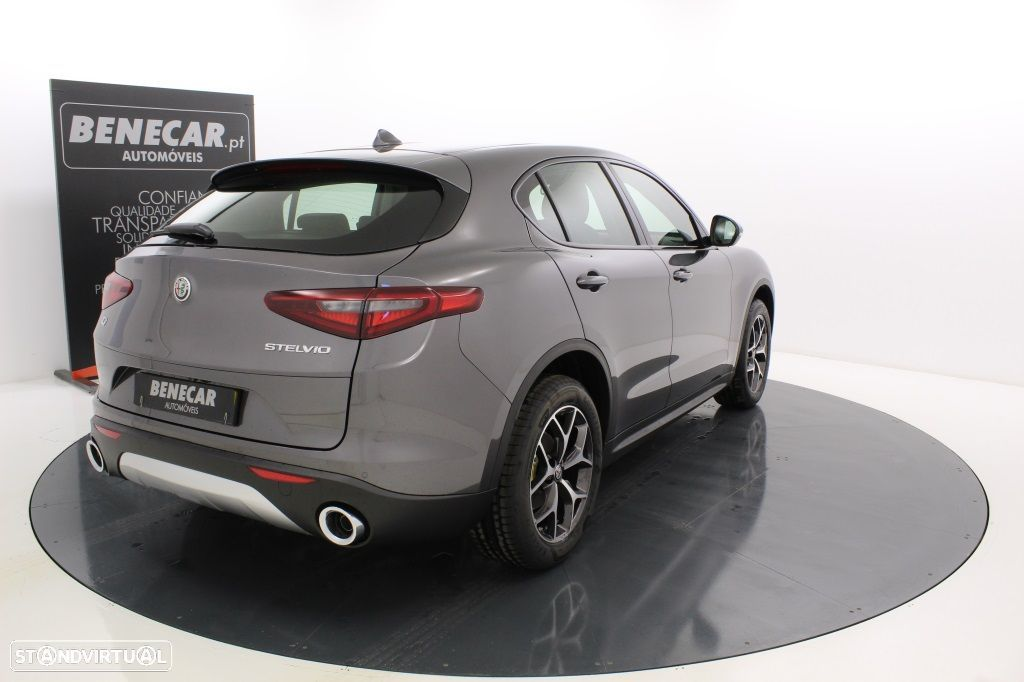 Alfa Romeo Stelvio 2.2 Turbo Q4 Super AT8 210cv Cx. Aut. GPS / Cam. Traseira - 7