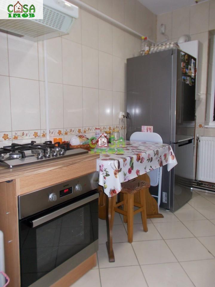 Apartament de vanzare, Dâmbovița (judet), Micro 9 - Foto 10