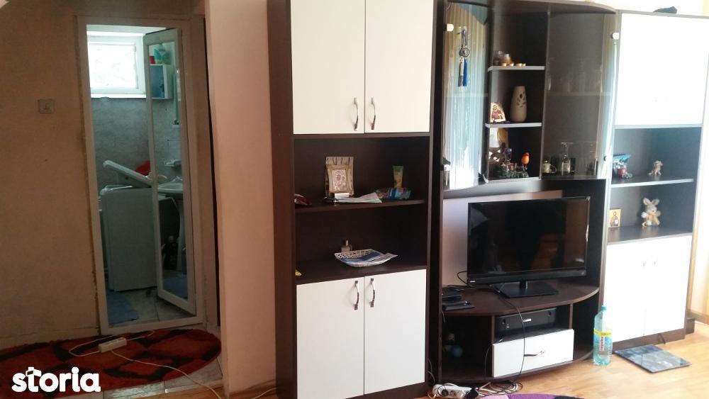 Apartament de vanzare, Galați (judet), Micro 39 C - Foto 1