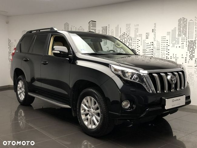 Toyota Land Cruiser 150, Invincible Salon PL