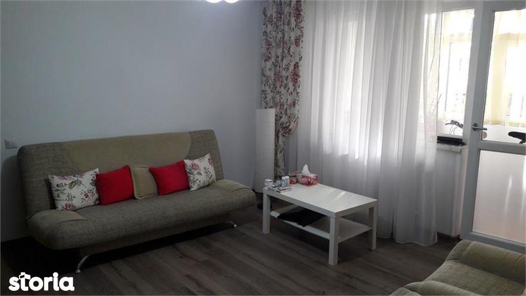 Apartament de vanzare, Argeș (judet), Strada Iancu de Hunedoara - Foto 2