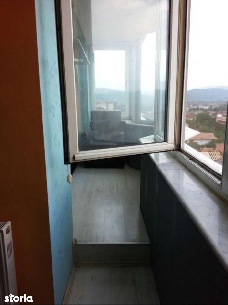 Apartament de vanzare, Vâlcea (judet), Strada Liviu Rebreanu - Foto 3