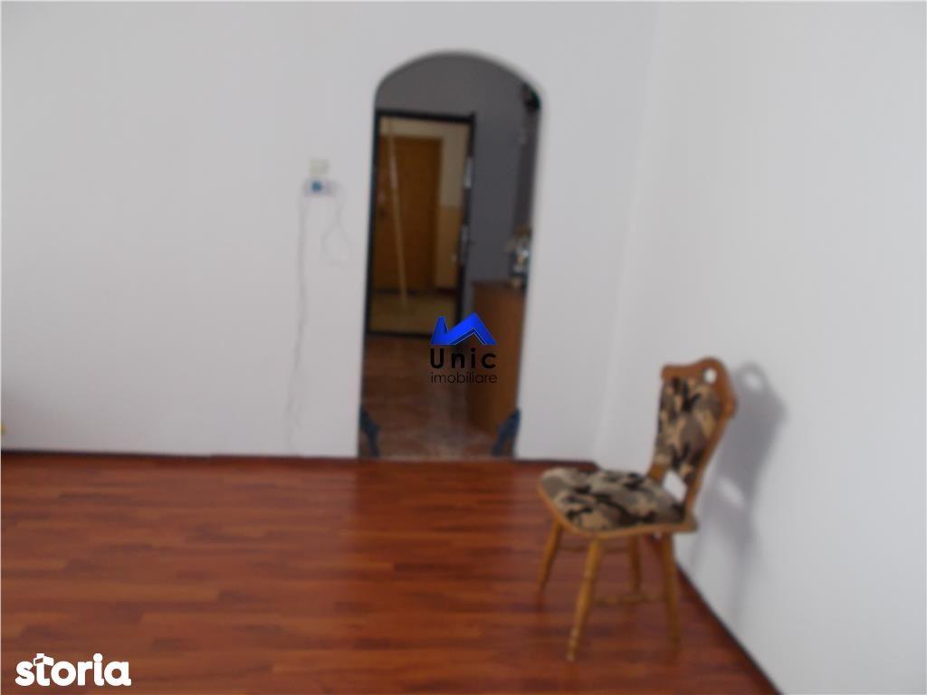 Apartament de vanzare, Dâmbovița (judet), Micro 4 - Foto 4