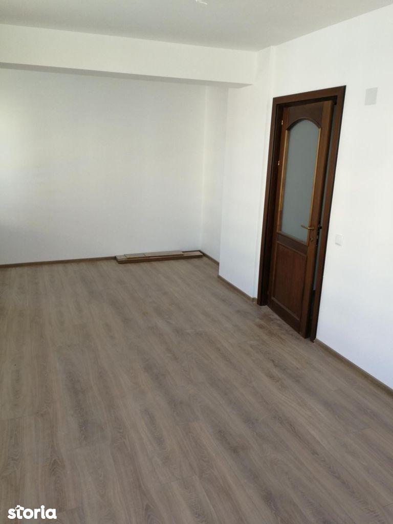 Apartament de vanzare, Iași (judet), Strada Bazei - Foto 1