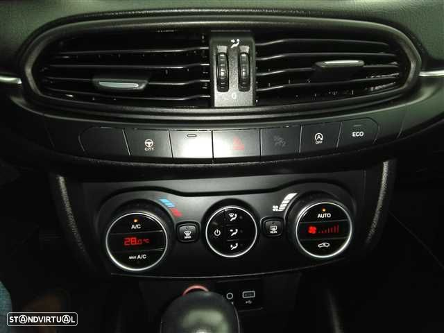 Fiat Tipo 1.6 M-Jet Lounge DCT - 15