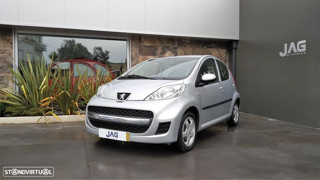 Peugeot 107 1.0 Black and Silver - 4