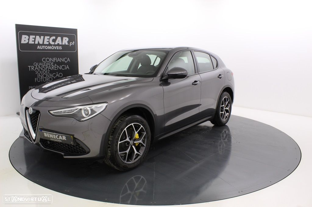 Alfa Romeo Stelvio 2.2 Turbo Q4 Super AT8 210cv Cx. Aut. GPS / Cam. Traseira - 1
