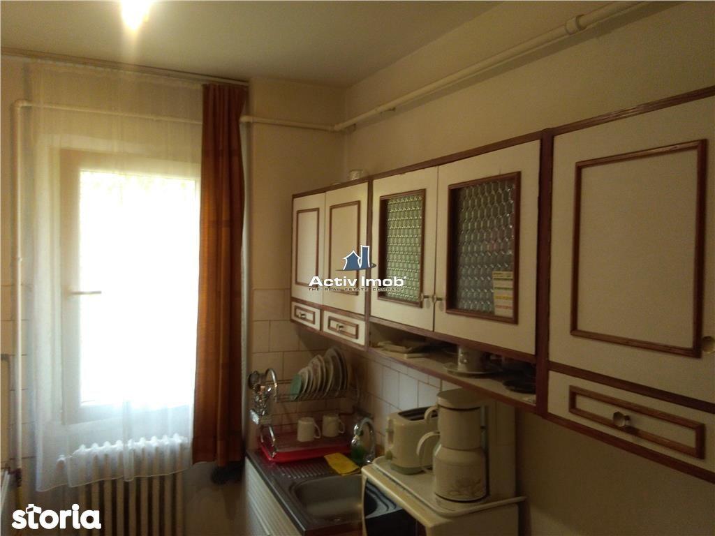 Apartament de vanzare, Caraș-Severin (judet), Strada 1 Decembrie 1918 - Foto 13