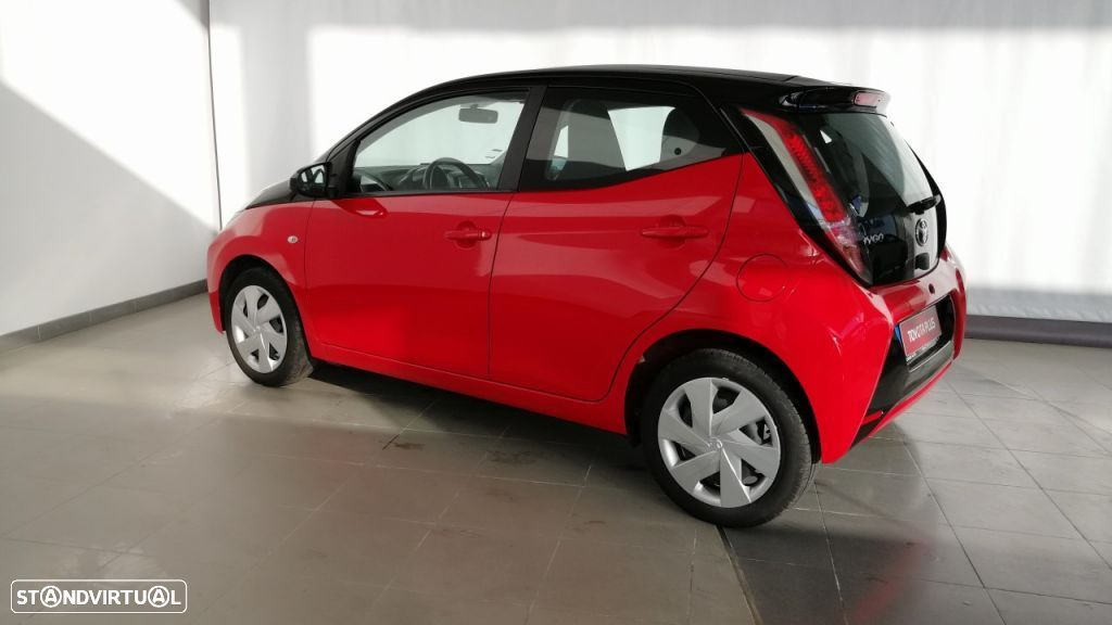Toyota Aygo 5P 1.0 x-play + A+ x-touch - 3