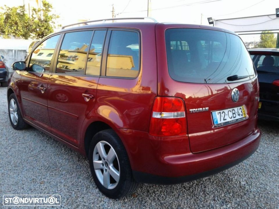 VW Touran 1.9 TDi Highline 7L DSG - 1