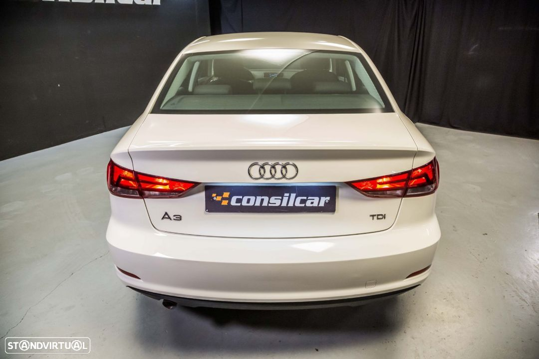 Audi A3 Limousine 1.6TDI M6 Attraction Pack - 6