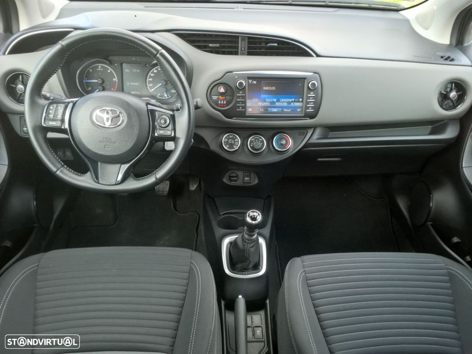 Toyota Yaris 1.4D 5P Comfort + Pack Style - 10