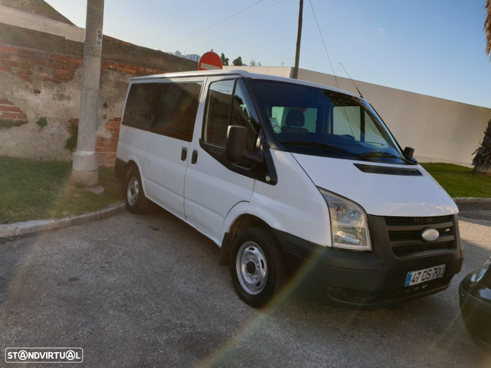 Ford Transit 9Lugares A/C - 3