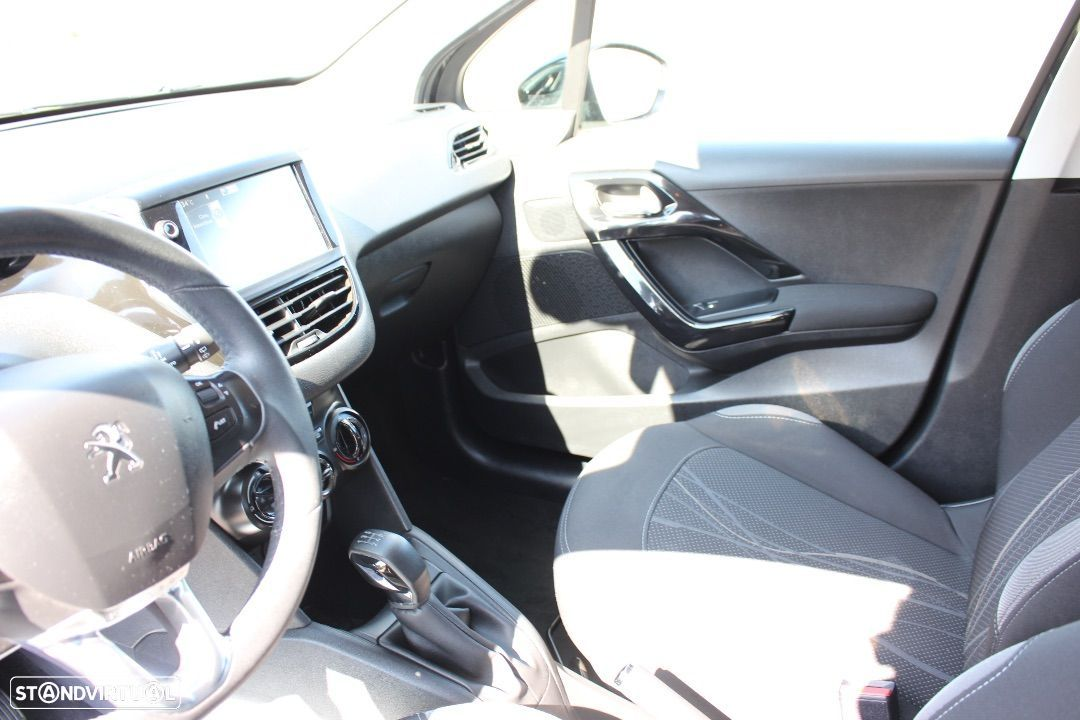 Peugeot 208 1.4 HDi Active - 27